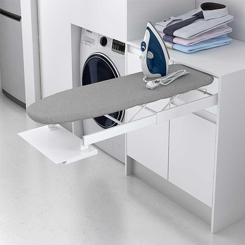 Extraible con tabla de planchar para mueble de cocina for Mueble para guardar tabla de planchar