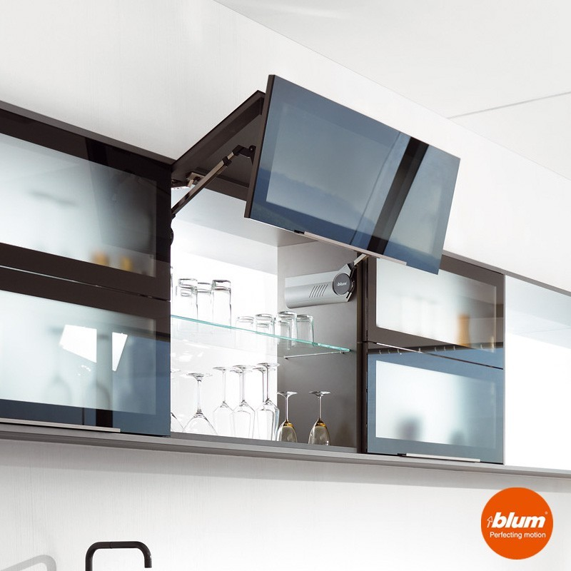 Bisagra aventos hf blum para frentes abatibles de cocina for Bisagra puerta cocina